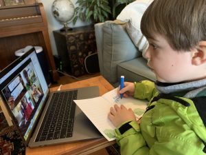 Child learning spanish online